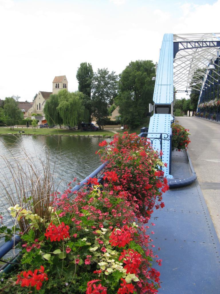 Le pont & l'Yonne